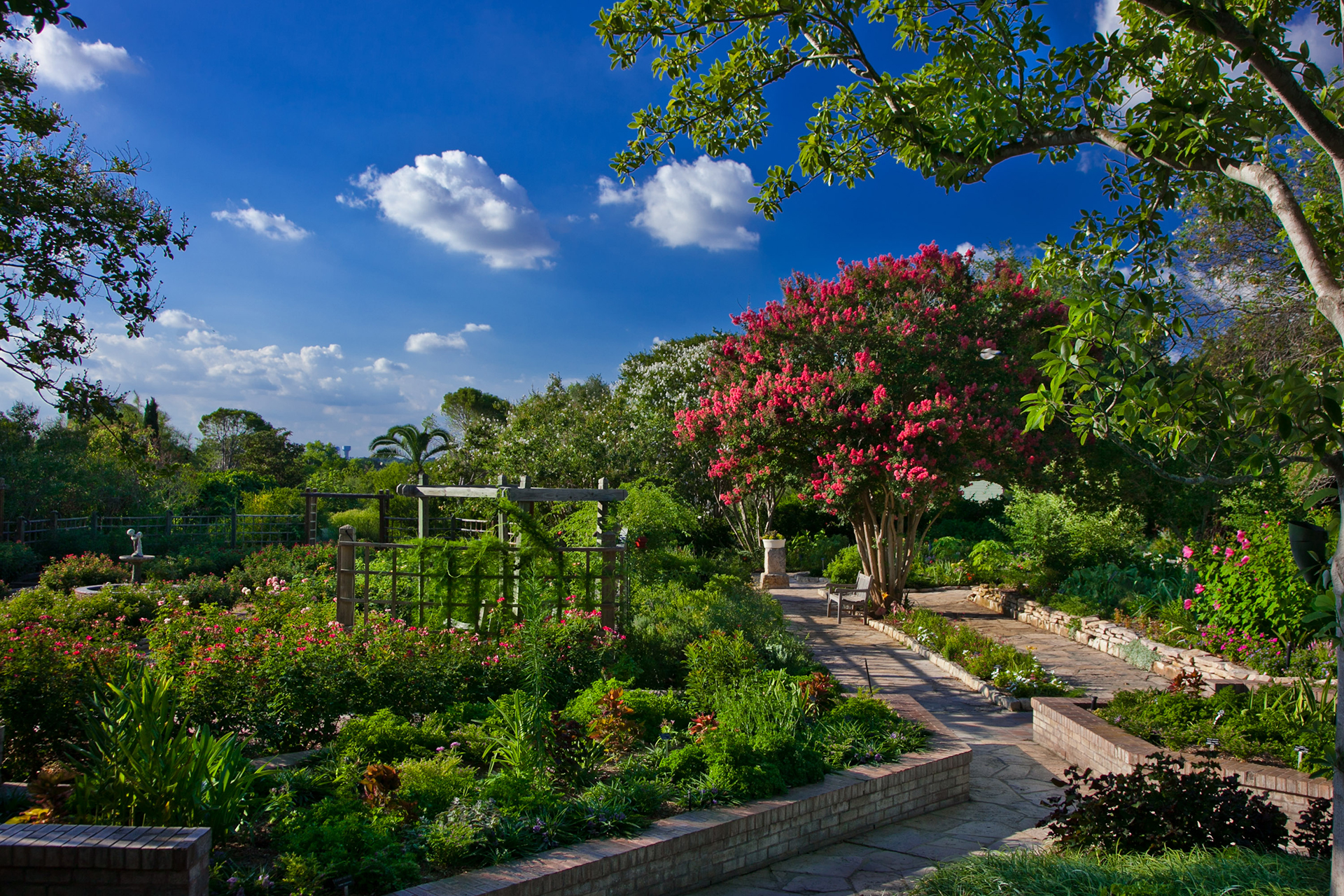 Formal And Display Gardens